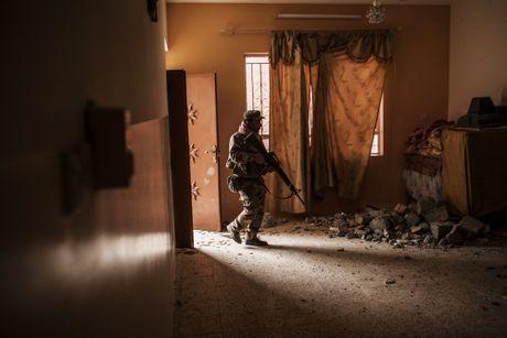 Iraq tai chiem duoc 30% thanh tri Mosul cua IS - Anh 1