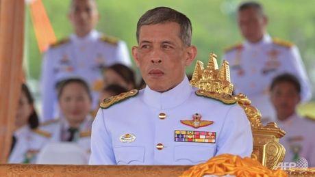 Thai tu Thai Lan da ve Bangkok chuan bi dang co - Anh 1