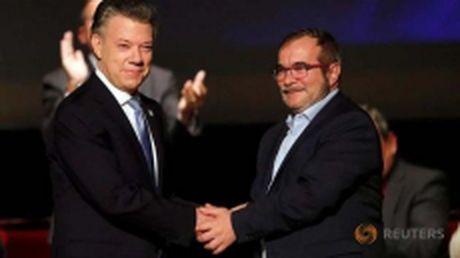 Quoc hoi Colombia thong qua thoa thuan hoa binh moi voi FARC - Anh 1