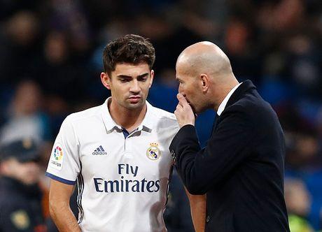 Con trai ghi ban, Zidane thiet lap ky luc moi cho Real - Anh 1