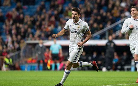 Con trai ghi ban, Zidane thiet lap ky luc moi cho Real - Anh 2