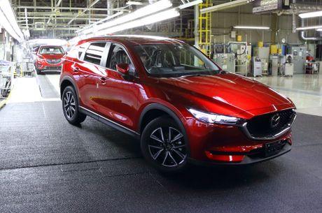 Mazda CX-5 2017 dau tien xuat xuong tai Nhat Ban - Anh 1