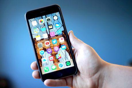 Kiem tra iPhone 6S de duoc Apple thay pin moi - Anh 1