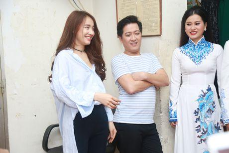 Truong Giang treu dua Nha Phuong trong hau truong - Anh 3