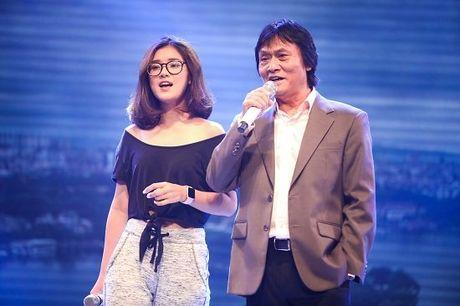Ca si Quang Ly tung giau benh, tron vien di quay gameshow - Anh 1