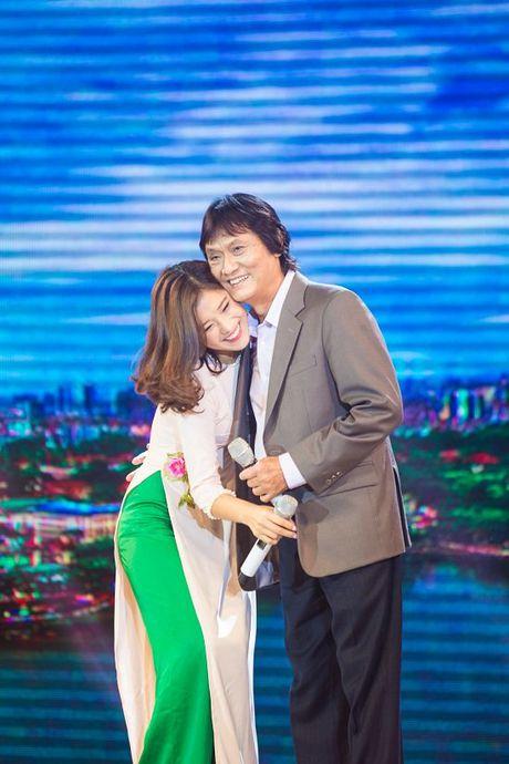 Ca si Quang Ly tung giau benh, tron vien di quay gameshow - Anh 4