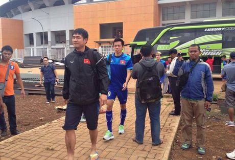 Tuyen Viet Nam choang voi SVD da ban ket cua Indonesia - Anh 1
