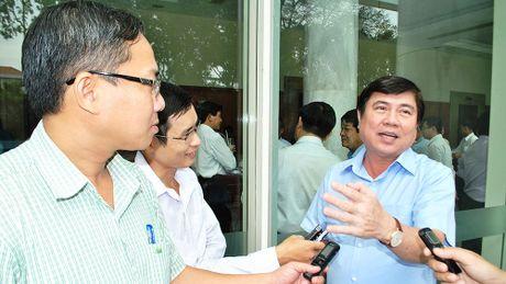 Chu tich TPHCM: 'Doi mat kho khan ngan sach, khong lui buoc' - Anh 2