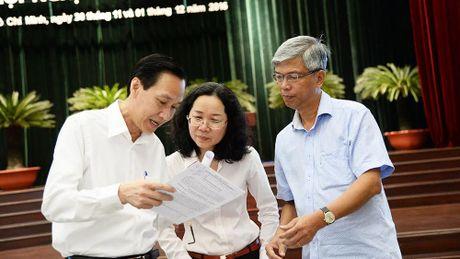 Chu tich TPHCM: 'Doi mat kho khan ngan sach, khong lui buoc' - Anh 3