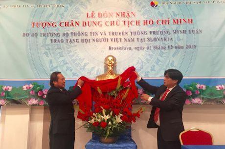 Bo truong TT&TT tu hao la nguoi Viet Nam - Anh 1