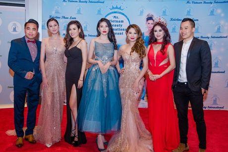 Thanh Thao long lay lam giam khao cuoc thi hoa hau - Anh 6