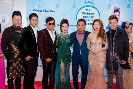 Thanh Thao long lay lam giam khao cuoc thi hoa hau - Anh 7