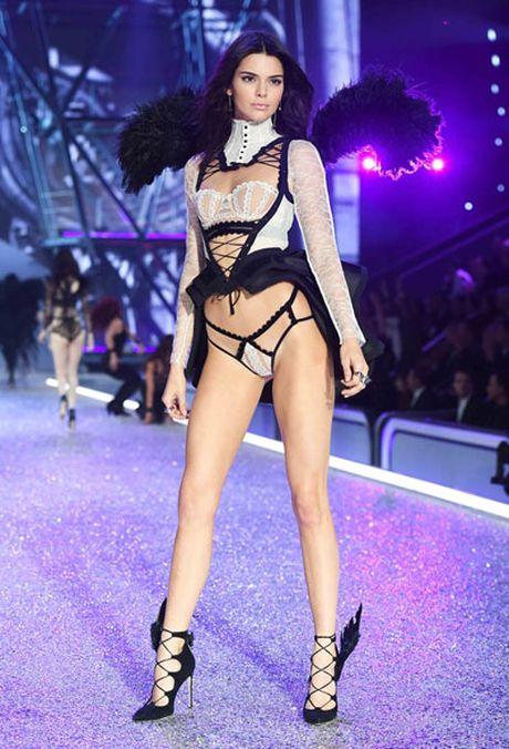 [Anh]: Dan nguoi mau nong bong trong show noi y Victoria's Secret - Anh 6