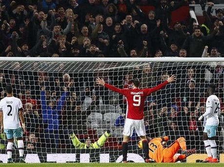DIEM NHAN Man United 4-1 West Ham: Mourinho khong the loai bo Mkhitaryan. Hang cong rat manh - Anh 2