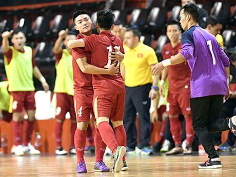 Tuyen futsal Viet Nam gan nhu co lap khi thi dau o Trung Quoc - Anh 2