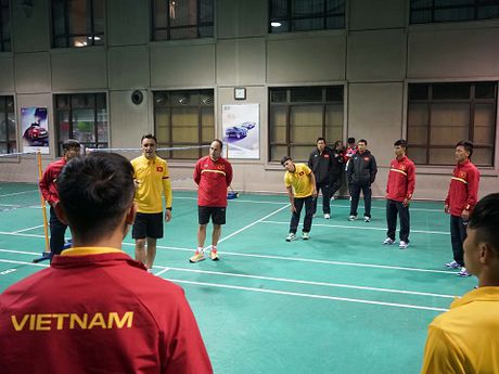 Tuyen futsal Viet Nam gan nhu co lap khi thi dau o Trung Quoc - Anh 7