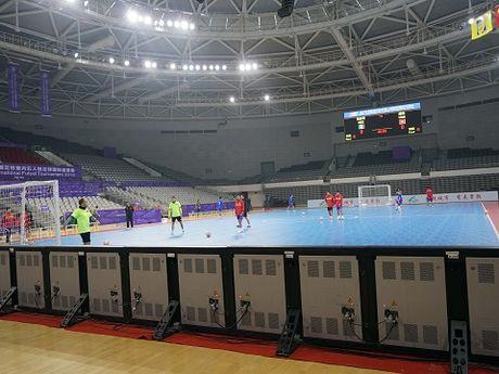 Tuyen futsal Viet Nam tap nhe, tu tin gap doi thu hang 10 the gioi - Anh 5