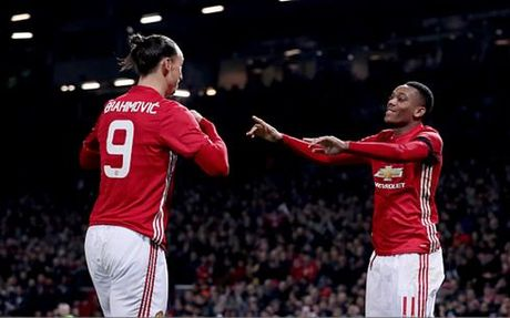 Ibrahimovic va Martial ruc sang, MU da bai West Ham - Anh 1