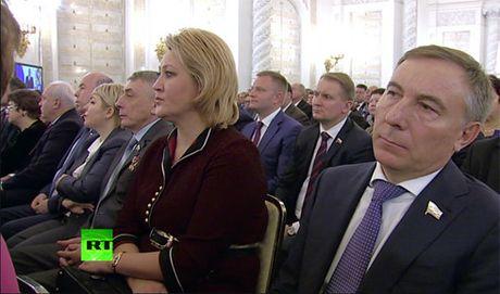 Truc tuyen: Tong thong Nga Putin doc thong diep Lien bang dac biet - Anh 2