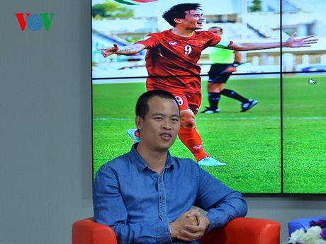 Nha bao Minh Hai: 'Hoang Thinh la cau thu khong the thay the' - Anh 1