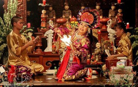 Tin nguong tho Mau Tam phu cua nguoi Viet tro thanh di san the gioi - Anh 2
