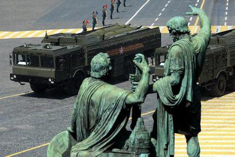 NATO kich hoat ten lua Iskander-M tai Kaliningrad - Anh 1