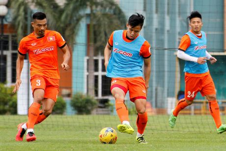 Sau AFF Cup 2016, 3 tuyen thu Viet Nam co the xuat ngoai - Anh 1