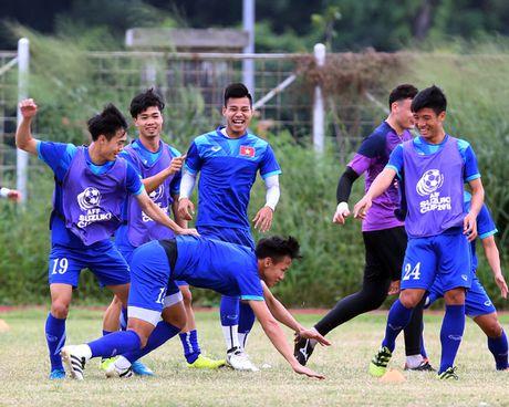 DT Viet Nam bi chu nha Indonesia choi xau o buoi tap dau tien - Anh 1