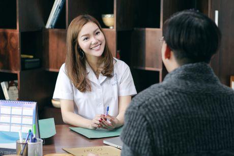 'Gai mot con' Ngoc Anh cap ke trai la trong MV moi - Anh 1