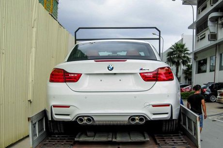 Hotgirl 'tho dan nguc tran' tau BMW M4 mui tran 4,2 ty - Anh 8