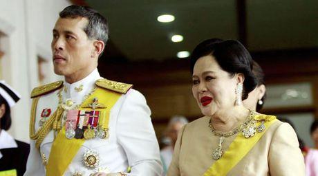 Thai tu Thai Lan ve nuoc de len ngoi - Anh 1