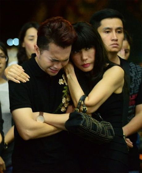 Hoang Yen Chibi, Nam Cuong bat khoc nuc no truoc linh cuu NSUT Quang Ly - Anh 3