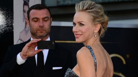 Liev Schreiber va Naomi Watts van gan gui sau chia tay - Anh 2