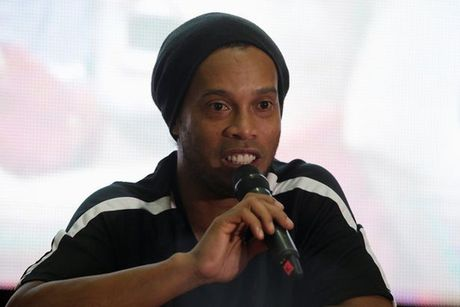 Ronaldinho, Riquelme muon thi dau khong luong cho Chapecoense - Anh 1