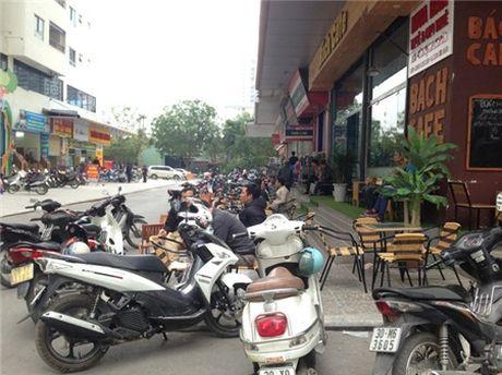 Chung cu 'to kien' 35-40 tang chi chit, do thi mau Linh Dam dang nghet tho - Anh 14