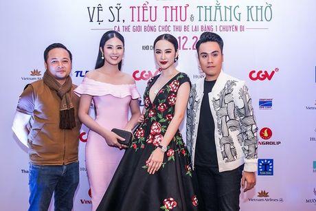 Angela Phuong Trinh 'dien sau' khi ra mat phim o Ha Noi - Anh 11