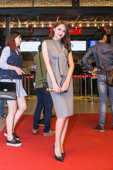 Angela Phuong Trinh 'dien sau' khi ra mat phim o Ha Noi - Anh 13