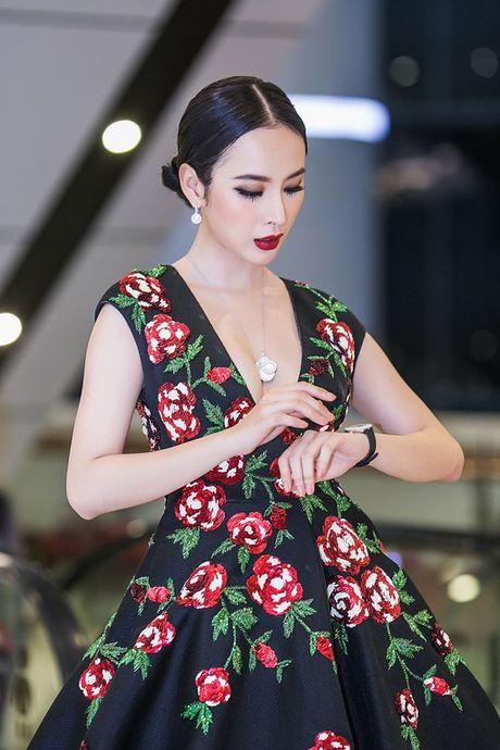 Angela Phuong Trinh 'dien sau' khi ra mat phim o Ha Noi - Anh 5