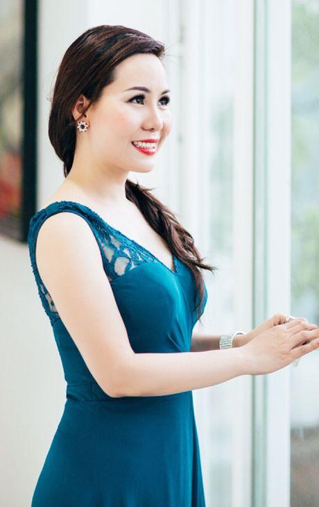 Nu hoang doanh nhan Kim Chi de xuat giai phap giam bao luc hoc duong - Anh 2