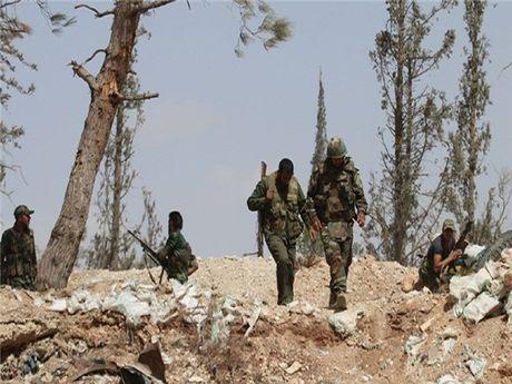 Hang ngan binh si Syria da den Dong Ghouta bat dau hoat dong diet khung bo - Anh 1