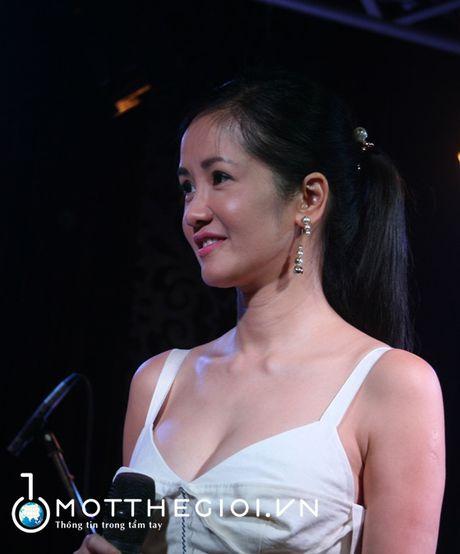 Ngo ngang voi ve dep khong tuoi cua ca si Hong Nhung - Anh 3