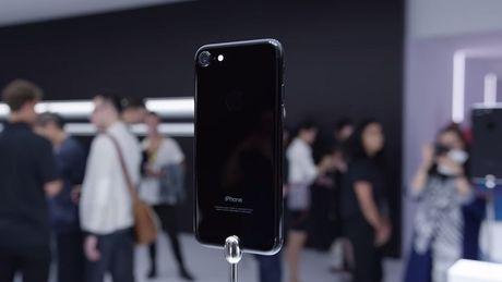 Pin iPhone 7 se yeu di sau 1 nam su dung - Anh 1