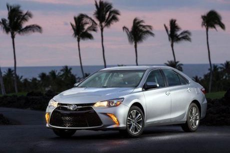 Toyota he lo thong tin Camry 2018 - Anh 2