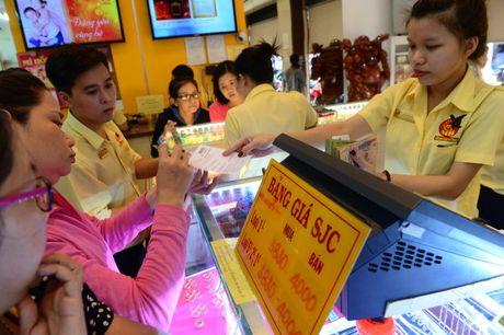 Vang SJC thang hoa, vuot moc 36 trieu dong - Anh 1