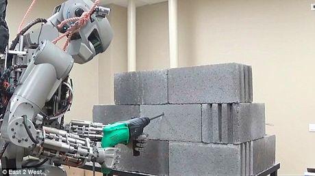Choang voi cac Robot Nga chuan bi chinh phuc mat trang - Anh 1