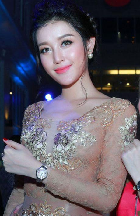 Truong Ngoc Anh, Mai Ngo mac loi trang diem thang 11 - Anh 3