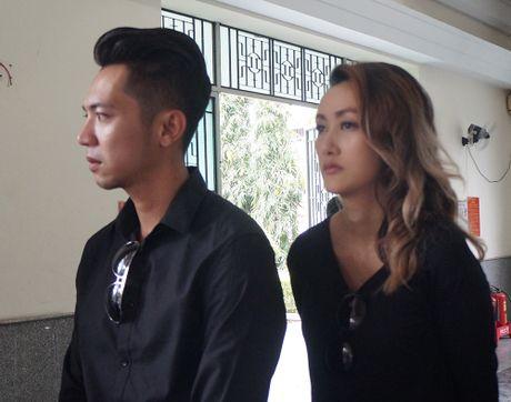 Con gai NSUT Quang Ly khoc nuc no ben linh cuu cha - Anh 10