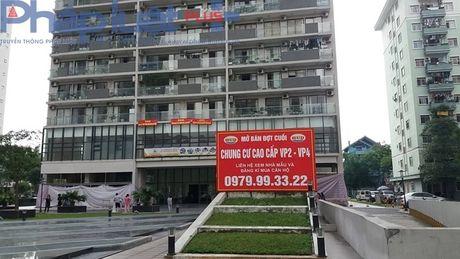 Chung cu VP4 Linh Dam: Chu dau tu xay dung kiot khien cu dan buc xuc - Anh 1