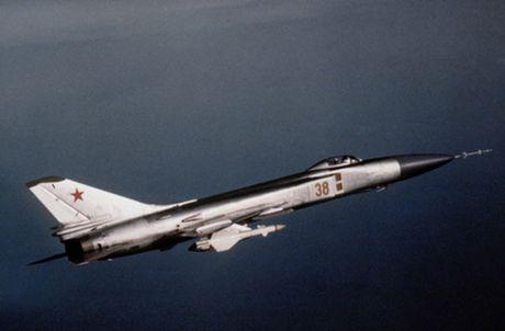 Su-15 - tiem kich danh chan day tai tieng cua Lien Xo - Anh 1