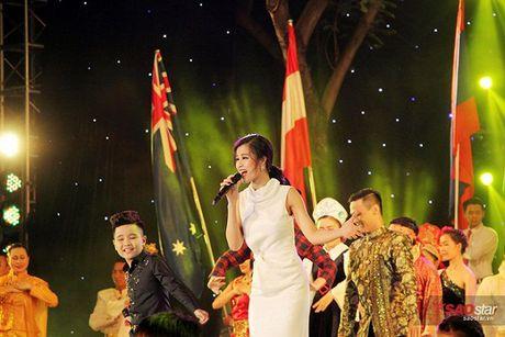 Nhat Minh bat ngo hoi ngo Milana, song ca 'cuc ngot' cung HLV Dong Nhi - Anh 11
